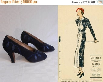 Anniversary Sale 35% Off Tappin That Barrel - Vintage 1930s Navy Suede Leather Deco Drop Shoe Pump Heels - 6