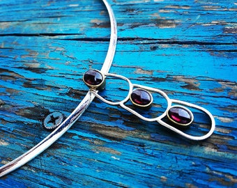 Garnet and Silver Choker Necklace
