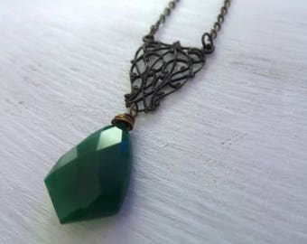 Green Onyx Necklace, Brass Filigree Necklace, Game Of Thrones Jewelry, Shield Necklace, Vintage Onyx Necklace, Gift Women, Gifts For Her