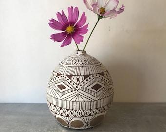 M A Y A N  D R E A M : terra cotta decorative vase