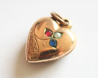 Vintage heart pendant. Goldplated heart pendant with pearl and crystal.  Red white and blue locket.  Vintage jewellery