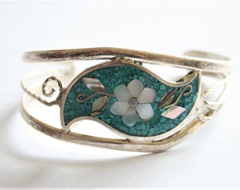 Vintage Mother of Pearl bangle. Alpaca bangle. Flower bangle.  Vintage jewellery