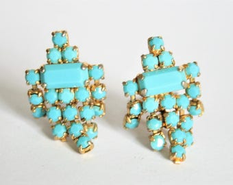 Vintage turquoise rhinestone earrings.  Clip on earrings.  Vintage jewellery