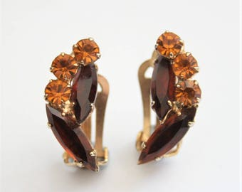 Vintage brown crystal earrings. Rhinestone earrings.  Clip on earrings.  Vintage jewellery