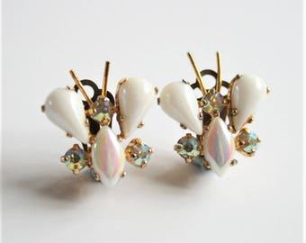 Butterfly earrings. Clip on earrings. White earrings. Vintage earrings