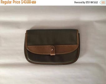 25% OFF SALE... Charles Jourdan Paris clutch | olive and chestnut leather envelope bag