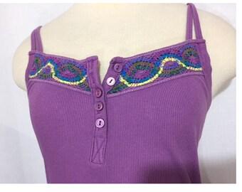 Vintage Free People Purple Cotton Spaghetti Strap Tank Top Button Embroidery Detail Boho Festival Long Waist Tee Size Medium Form Fitting