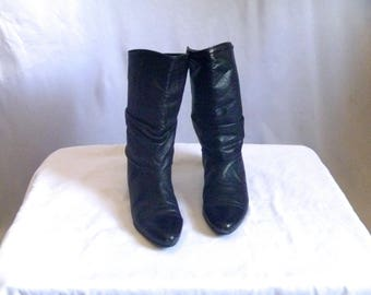 Vintage 80's Black Slouchy Boots with Low Stacked Heel in Full-Grain Black Leather Size 7.5 M