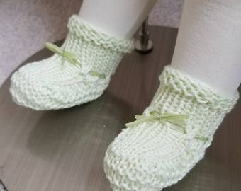 Willow Green Baby Booties