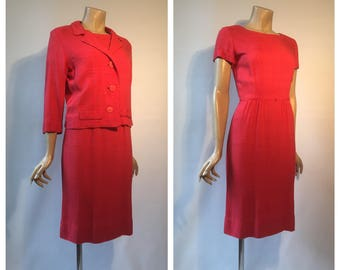 Excellent quality 1960s vintage coral pink moygashel type linen dress suit by Rembrandt - xs