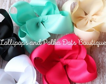 """Set of 3 6"""" solid twisted boutique bows"""