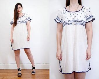 Vintage 70s Floral Peasant Cotton Cream Mexican Dress Embroidered Dress Sz S M