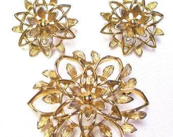 """25% Off Vintage Sarah Coventry """" Peta - Lure"""" 1960's  Filigree Gold Flower Pin and Earrings"""
