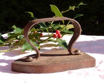 Old French Sad Iron Vintage Cast Iron No 4 FM Collectibles French Country Home Decor - Paper Weight - Kitchen Decor - Rustic French Decor