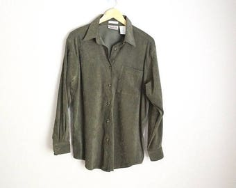 Memorial SALE - 15% off - Vintage 90s Olive Green Oversized Long Sleeved Button Up Blouse Shirt Oxford Casual // womens medium