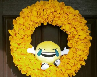 "20"" Emoji Yellow Balloon Wreath"