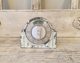 Vintage Kitchen Timer - Chippy, Rustic Metal Kitchen Timer - Farmhouse Decor