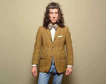 mens vintage sport jacket 60s plaid tweed sport coat 1960 menswear mustard green three button 3/2 roll sack cut Harris Tweed 39 39S short