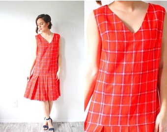 30% OFF SALE Vintage red plaid jumper dress // retro checkered picnic dress // red jumper // mod 1960's v -neck plaid pleated retro old scho