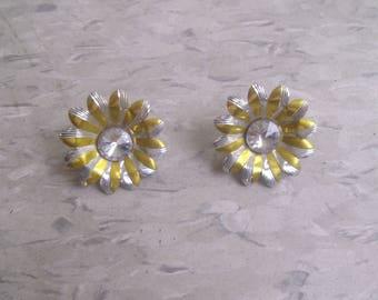 vintage clip earrings silvertone yellow enamel sunflower rhinestone
