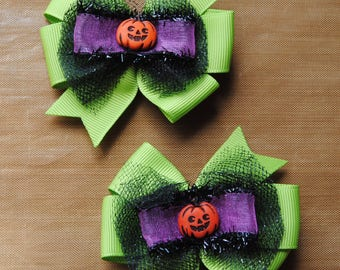 halloween hair bows, pumpkin hair bows, lime green with black tulle bows, toddler halloween hair bows, non slip bows, hairbow with tulle