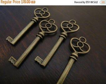 ON SALE 26 Key Charms Antique Skeleton Key Pendants Antique Bronze Bulk Key Charms