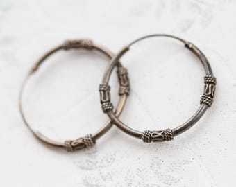 "Sterling Silver Hoop Earrings 1.1"" - Classic intricate Design - Vintage Oxidized Dark Silver Jewelry"