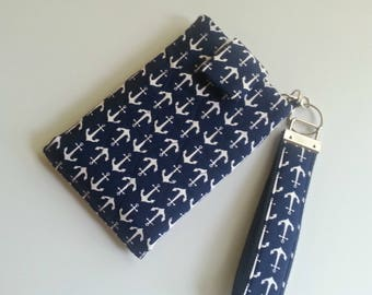 Quilted Grab N Go Phone Wallet with detachable Key Fob in Navy/white Anchor print