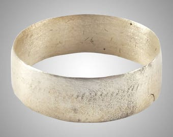 Authentic Ancient Viking  wedding Ring Band  C.866-1067A.D. Size 9 1/4   (19.6mm)(Brr1161)
