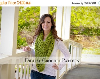 ON SALE Crochet Pattern / Scarf Pattern / Triangle Cowl Scarf Pattern 010 / Cowl Pattern