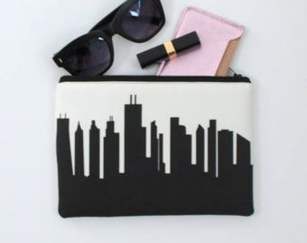 CHICAGO Skyline Wristlet Clutch. Skyline Wristlet. Skyline Clutch. Twill Clutch. Skyline Silhouette Purse. Gifts for Her. Bridesmaid Gift.