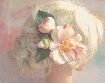 Magnolia hairclip. Flower boho fascinator. Romantic flowergirl bridesmaid raceday teaparty