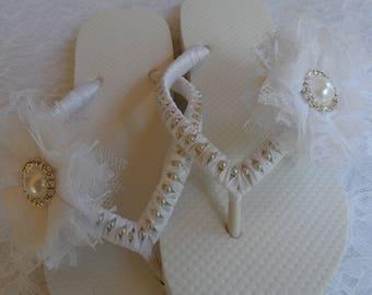 Bridal White Flip Flops / Chiffon Bow Rinestone wedding Flip Flops / Bridal Sandals / bridesmaids Shoes ..