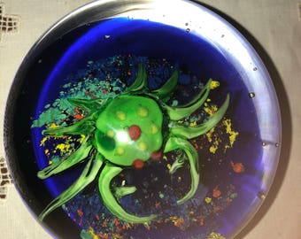 Vintage PAPERWEIGHT Paper weight Crab beach sea life reptile glass art