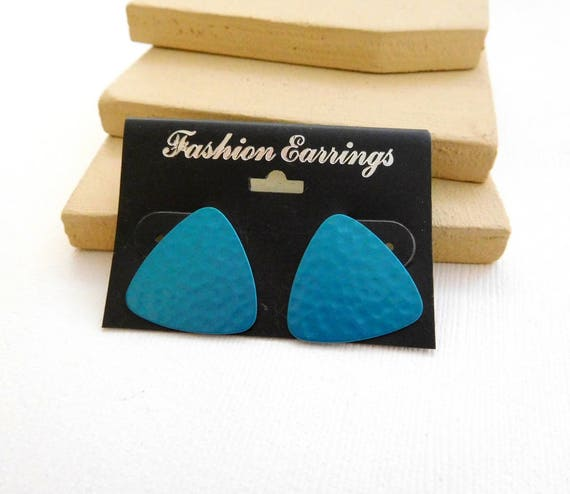 Reto Mod Vintage 80s Turquoise Blue Hammered Metal Thin Triangle Earrings VV14