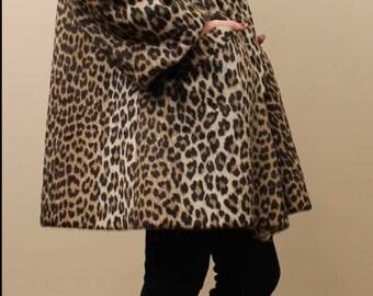 Gorgeous Vintage 1960's Faux Leopard Fur Coat