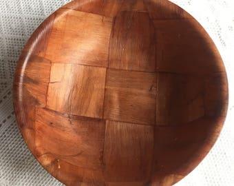 Vintage Wooden Salad Bowl / Vintage Woven Wood Snack Bowl / Rustic Bowl
