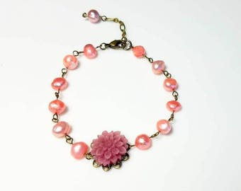 Pink Freshwater Pearl Purple Lucite Flower Bracelet Beaded Chain Bracelet Floral Nature Handmade Jewelry Gifts for Her Christmas gift