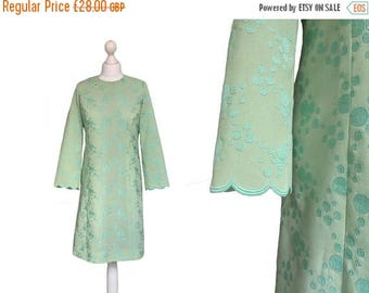 On Sale Green Vintage Dress - 1960s' Dress - 60's Dress - Crepe Dress - Scallop Sleeve Dress