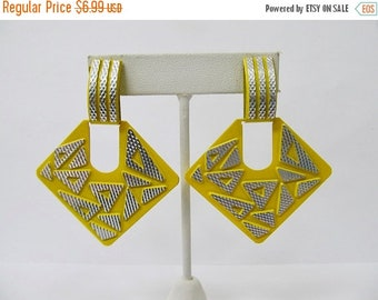 ON SALE Retro Yellow Enameled Aluminum Earrings Item K # 2869