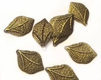 50pc 22x15mm antique bronze finish iron filigree leaf pendants-7831G