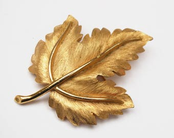 Crown Trifari Leaf Brooch - gold Brushed - Maple  Leaf - Mid Century Pin