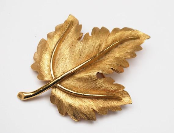 Crown Trifari Leaf Brooch - gold Brushed - Maple  Leaf - Mid Century Pin