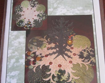 Trees All Around Christmas Tree Skirt/Table Topper Pattern