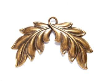 1 Antique Bronze Double Leaf Pendant/Charms - 21-48-9