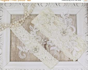 STOREWIDE SALE Wedding garter, wedding garter set, Customizable Ivory Lace Garter Set, Bridal Garter Set, Bridesmaid Gift, Prom, Personalize