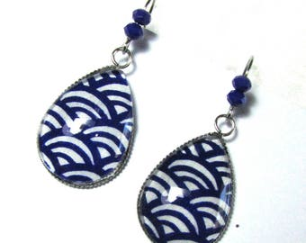 Earrings drops cabochons - blue and white Japanese paper