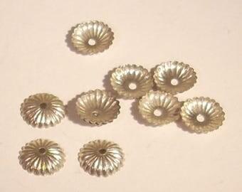 Cup ridged silver metal 8 x 10 mm
