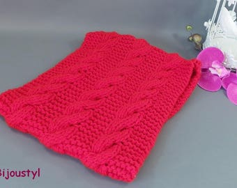 Stitch adult Red cabled scarf SNOOD