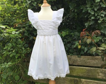 "Girls White ""Alice"" Style Pinafore Apron With Broiderie Anglais Age 3-5"